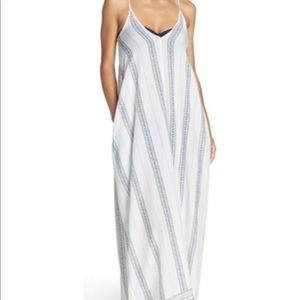 Elan maxi cover up white with navy flowers